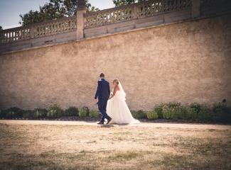 svatební fotograf zámek Mníšek pod Brdy, svatba na zámku, letní nejkrásnější zámecká svatba, Bára a Ondra-104