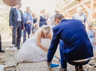 svatební fotograf zámek Mníšek pod Brdy, svatba na zámku, letní nejkrásnější zámecká svatba, Bára a Ondra-111
