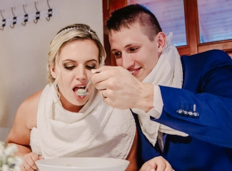 svatební fotograf zámek Mníšek pod Brdy, svatba na zámku, letní nejkrásnější zámecká svatba, Bára a Ondra-119
