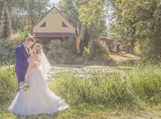 svatební fotograf zámek Mníšek pod Brdy, svatba na zámku, letní nejkrásnější zámecká svatba, Bára a Ondra-124