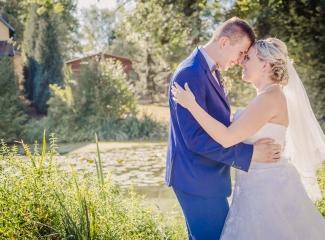svatební fotograf zámek Mníšek pod Brdy, svatba na zámku, letní nejkrásnější zámecká svatba, Bára a Ondra-130