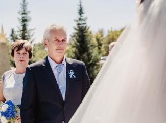 svatební fotograf zámek Mníšek pod Brdy, svatba na zámku, letní nejkrásnější zámecká svatba, Bára a Ondra-61