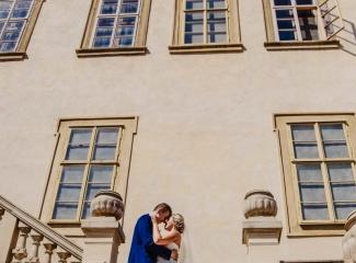 svatební fotograf zámek Mníšek pod Brdy, svatba na zámku, letní nejkrásnější zámecká svatba, Bára a Ondra-87