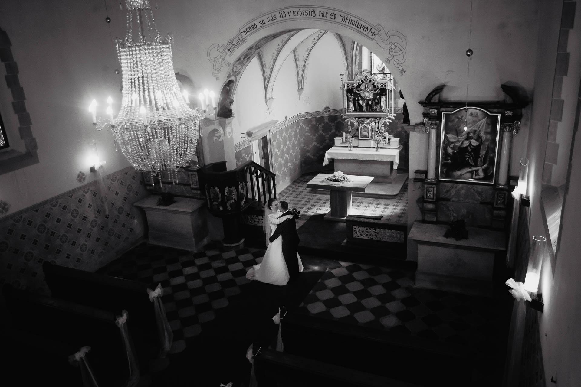 foto svatba, Havířský kostelík, Poděbrady, foto u Labe, nymburk, svatební fotograf-2