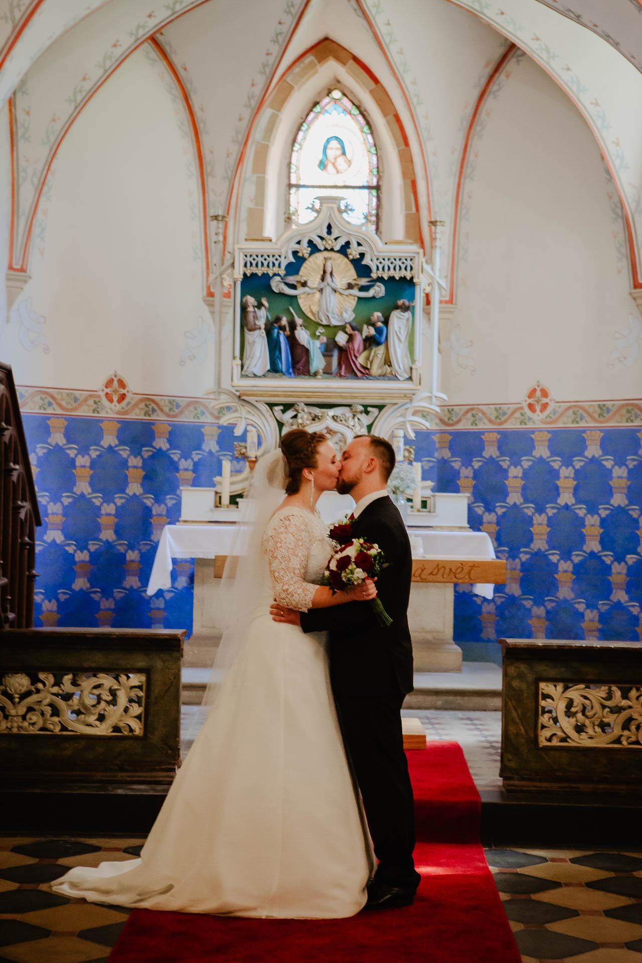 foto svatba, Havířský kostelík, Poděbrady, foto u Labe, nymburk, svatební fotograf-3069