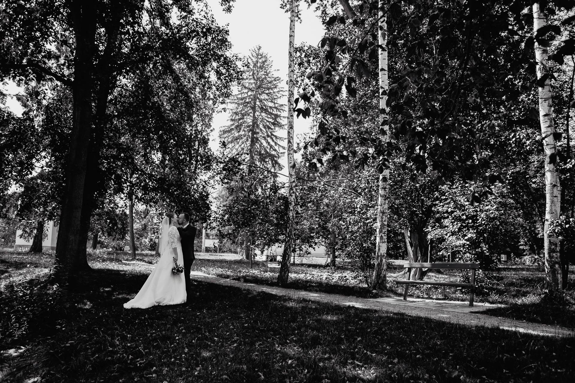 foto svatba, Havířský kostelík, Poděbrady, foto u Labe, nymburk, svatební fotograf-3190