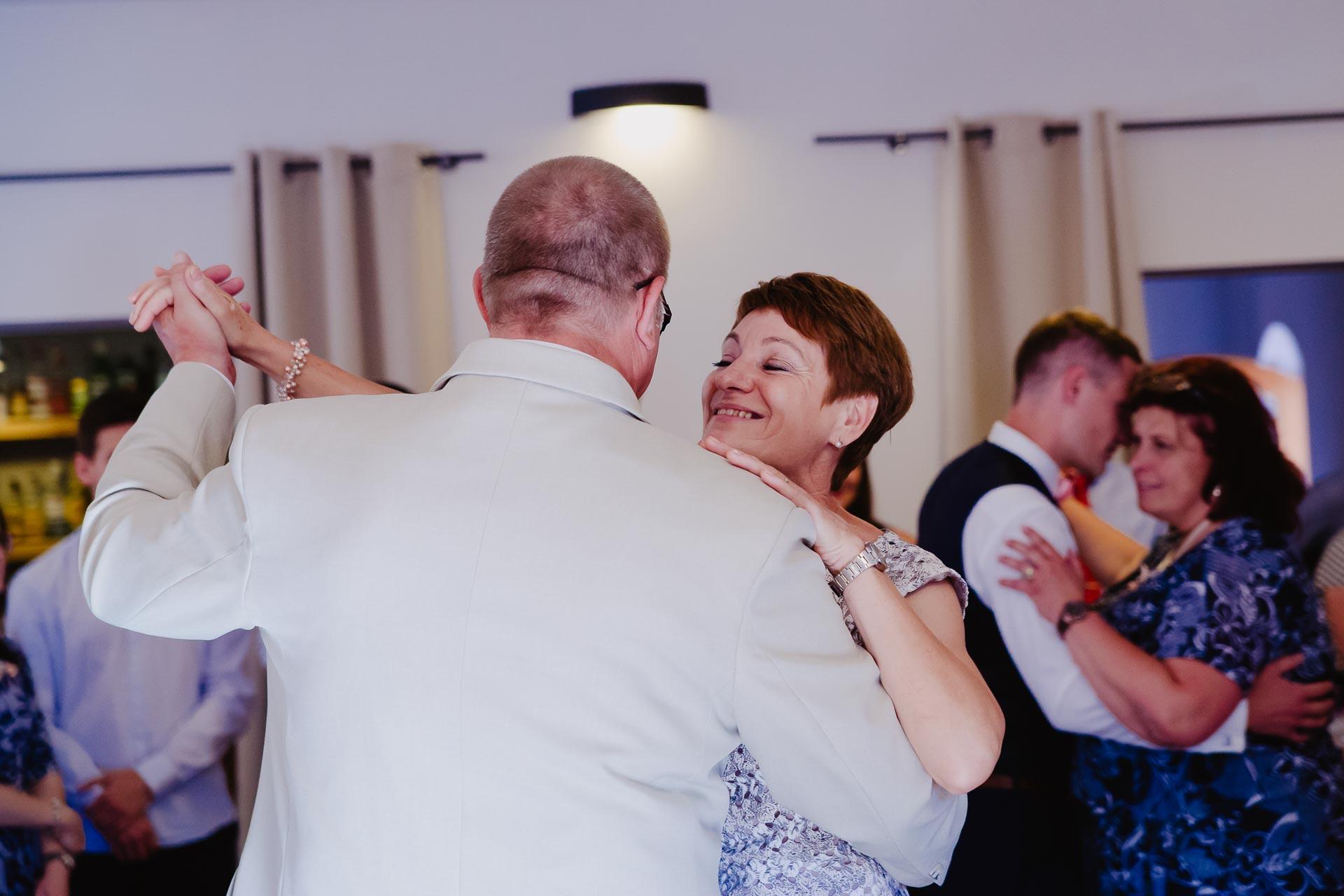 Svatební-fotograf-Čelákovice-8373