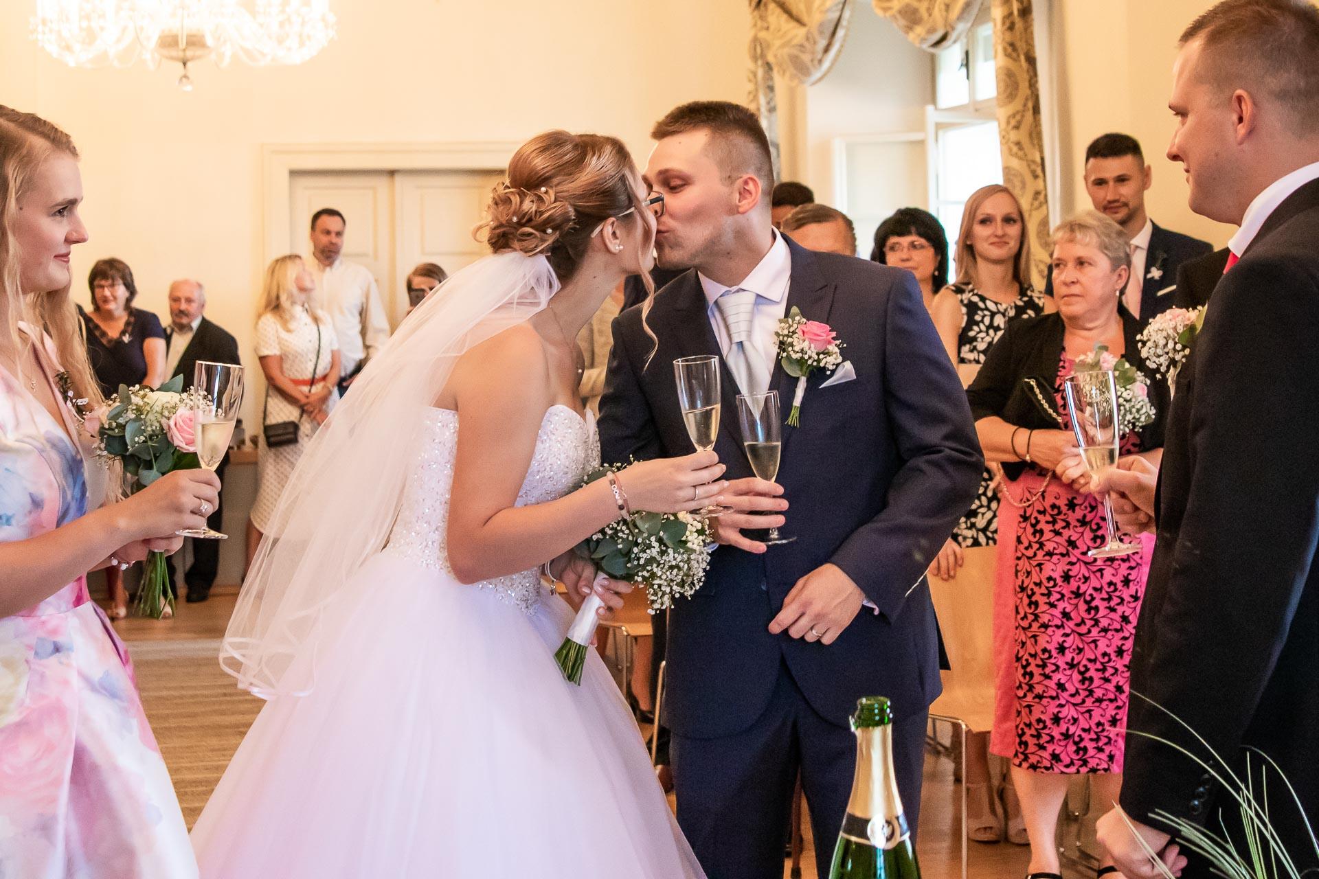 Svatební-fotograf-Chvalský-zámek-44