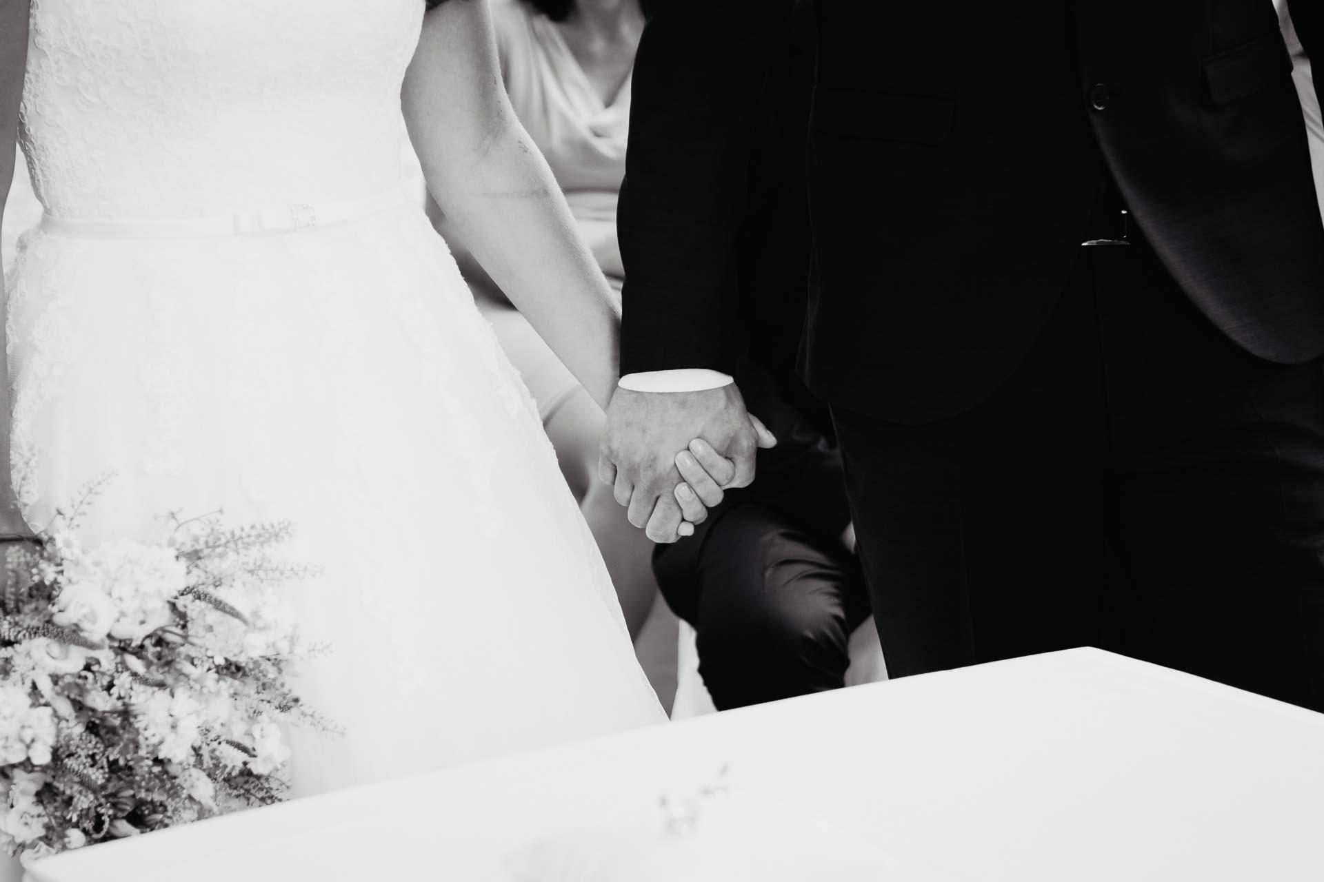 svatební-fotograf-dolní-počernice-svatební-fotograf-Zámecký-park-Dolní-Počernice-23