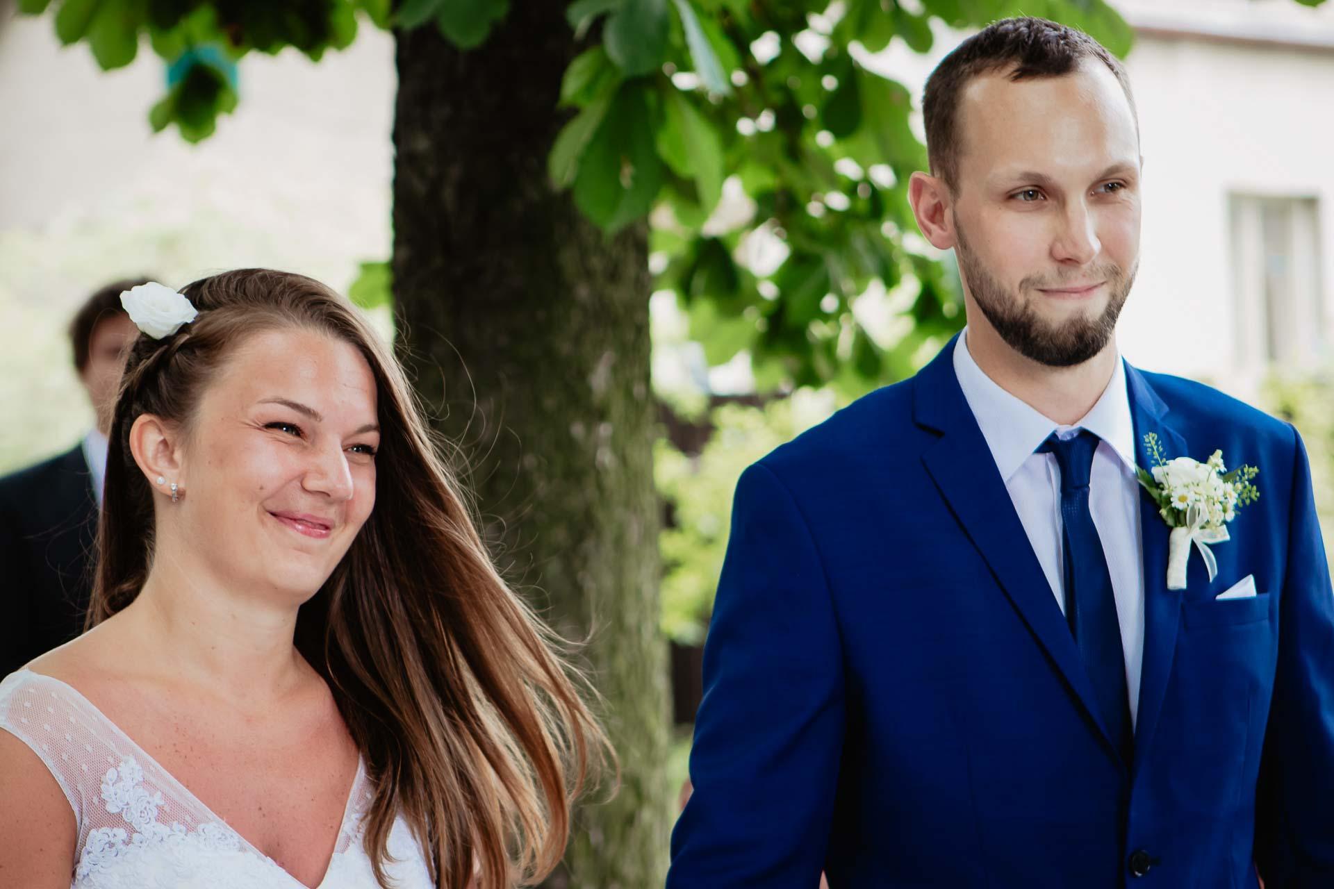 svatební-fotograf-dolní-počernice-svatební-fotograf-Zámecký-park-Dolní-Počernice-25