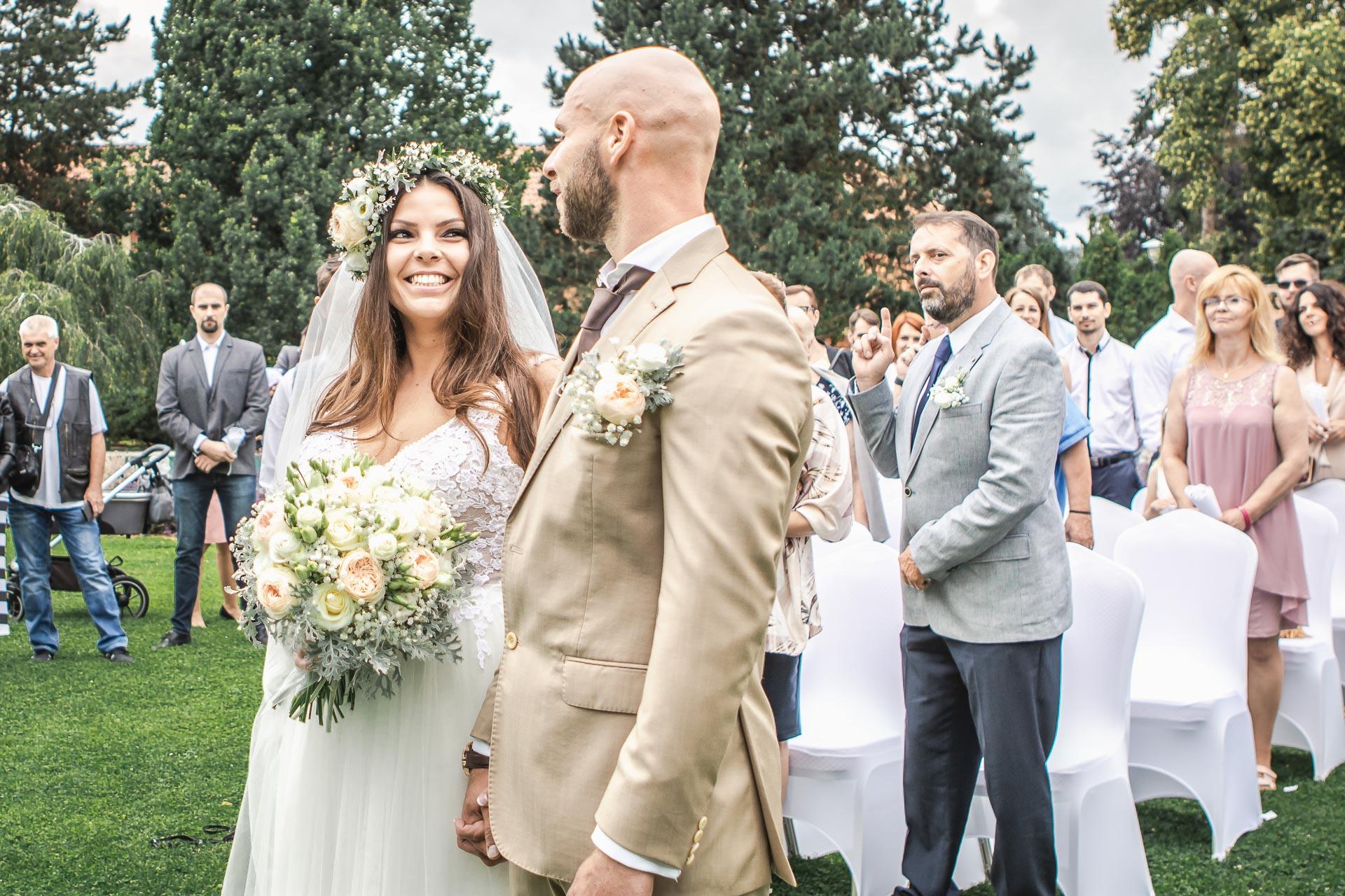 Svatební-fotograf-Dvůr-Pecínov-Benešov-8836