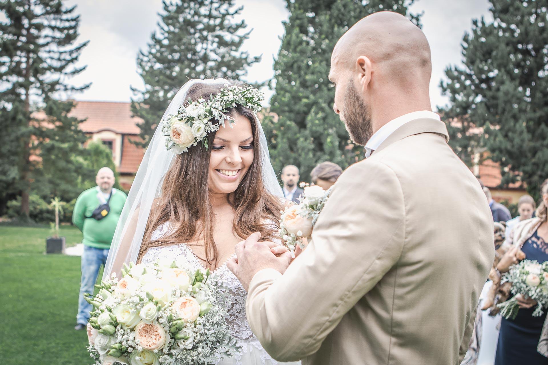 Svatební-fotograf-Dvůr-Pecínov-Benešov-8847