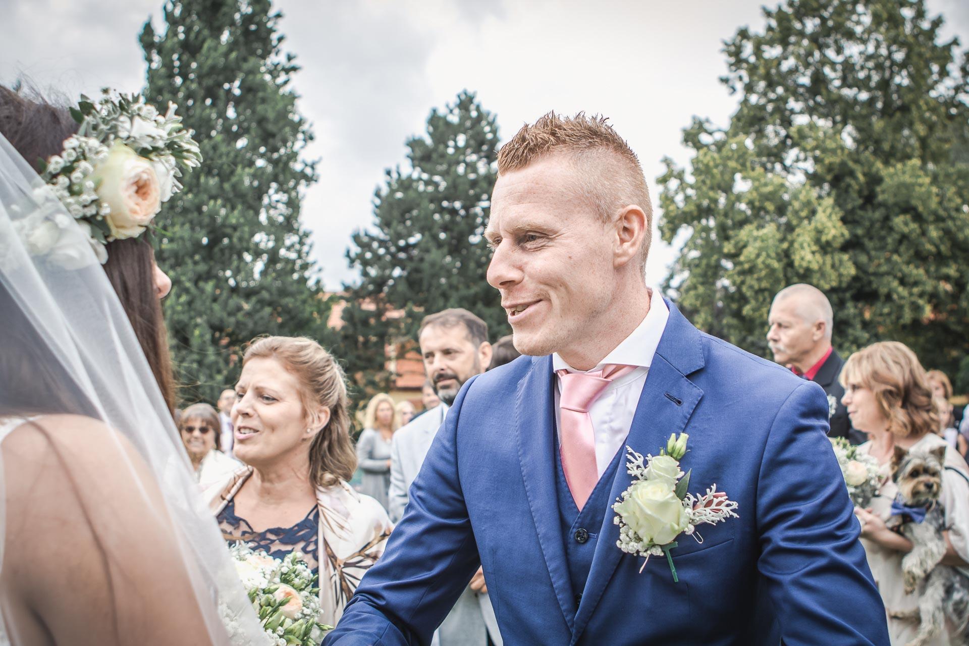 Svatební-fotograf-Dvůr-Pecínov-Benešov-8887