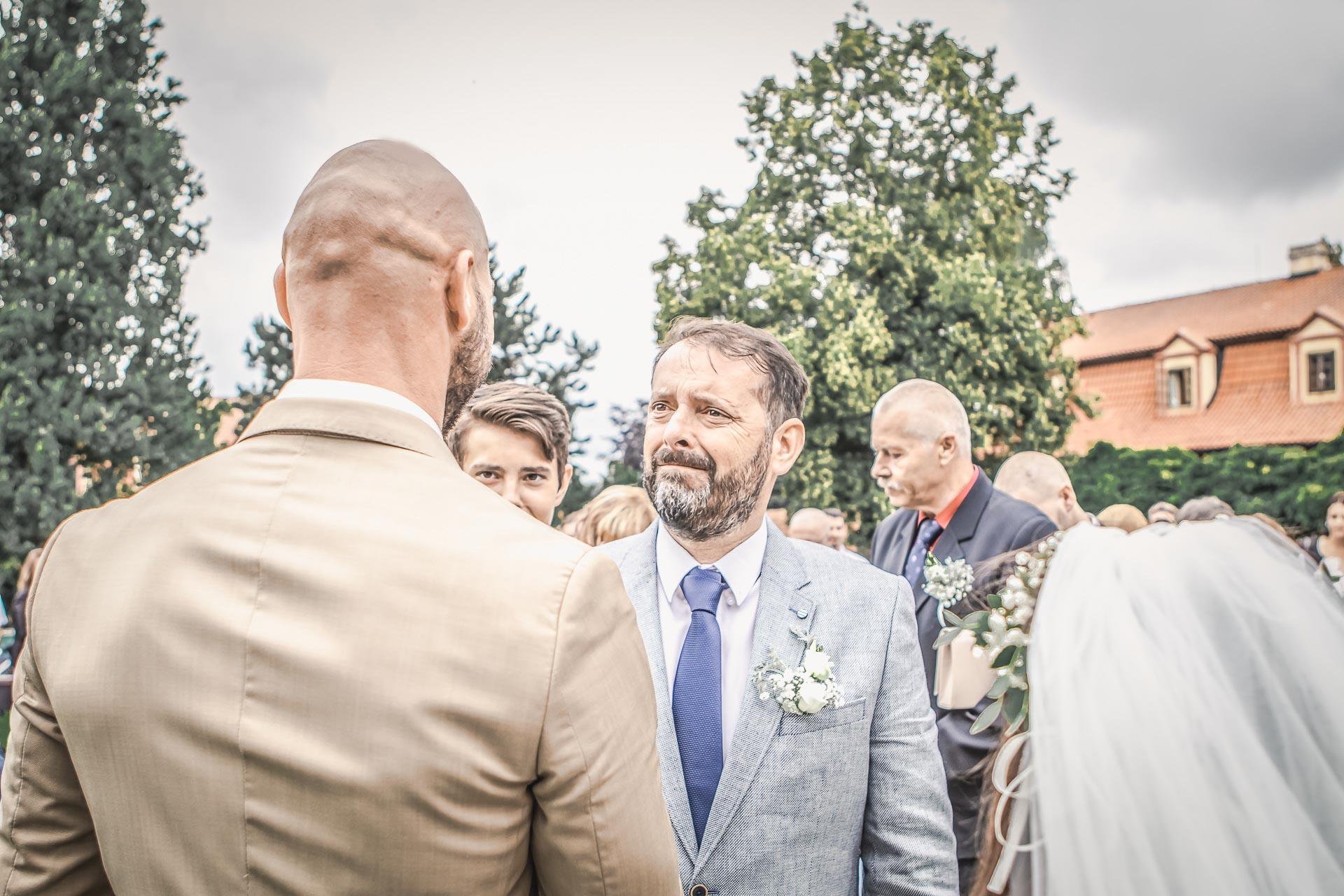 Svatební-fotograf-Dvůr-Pecínov-Benešov-8892