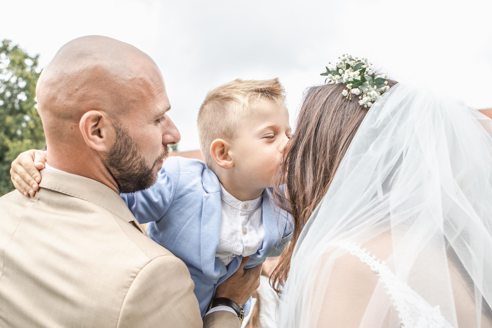 Svatební-fotograf-Dvůr-Pecínov-Benešov-8951