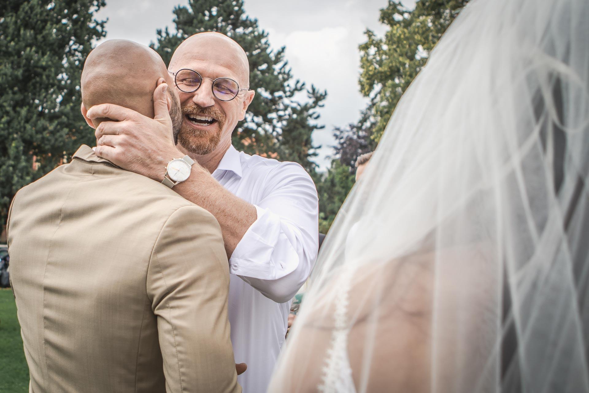Svatební-fotograf-Dvůr-Pecínov-Benešov-9001