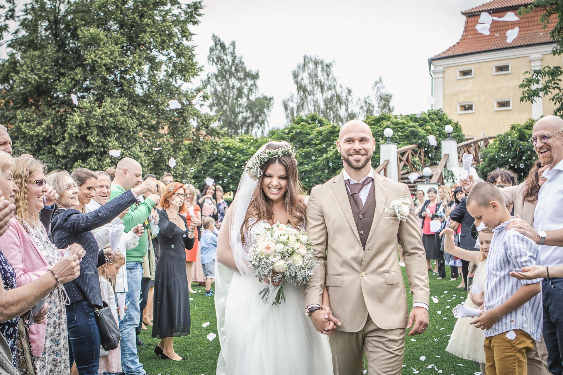 Svatební-fotograf-Dvůr-Pecínov-Benešov-9163