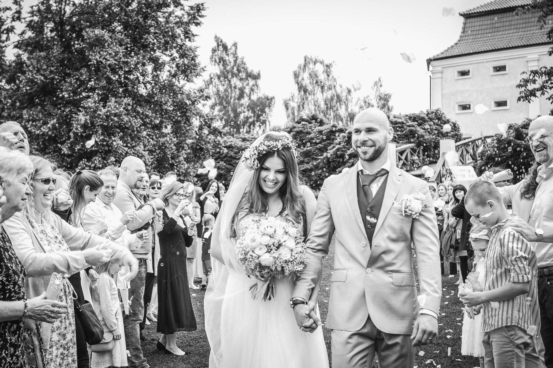 Svatební-fotograf-Dvůr-Pecínov-Benešov-9164
