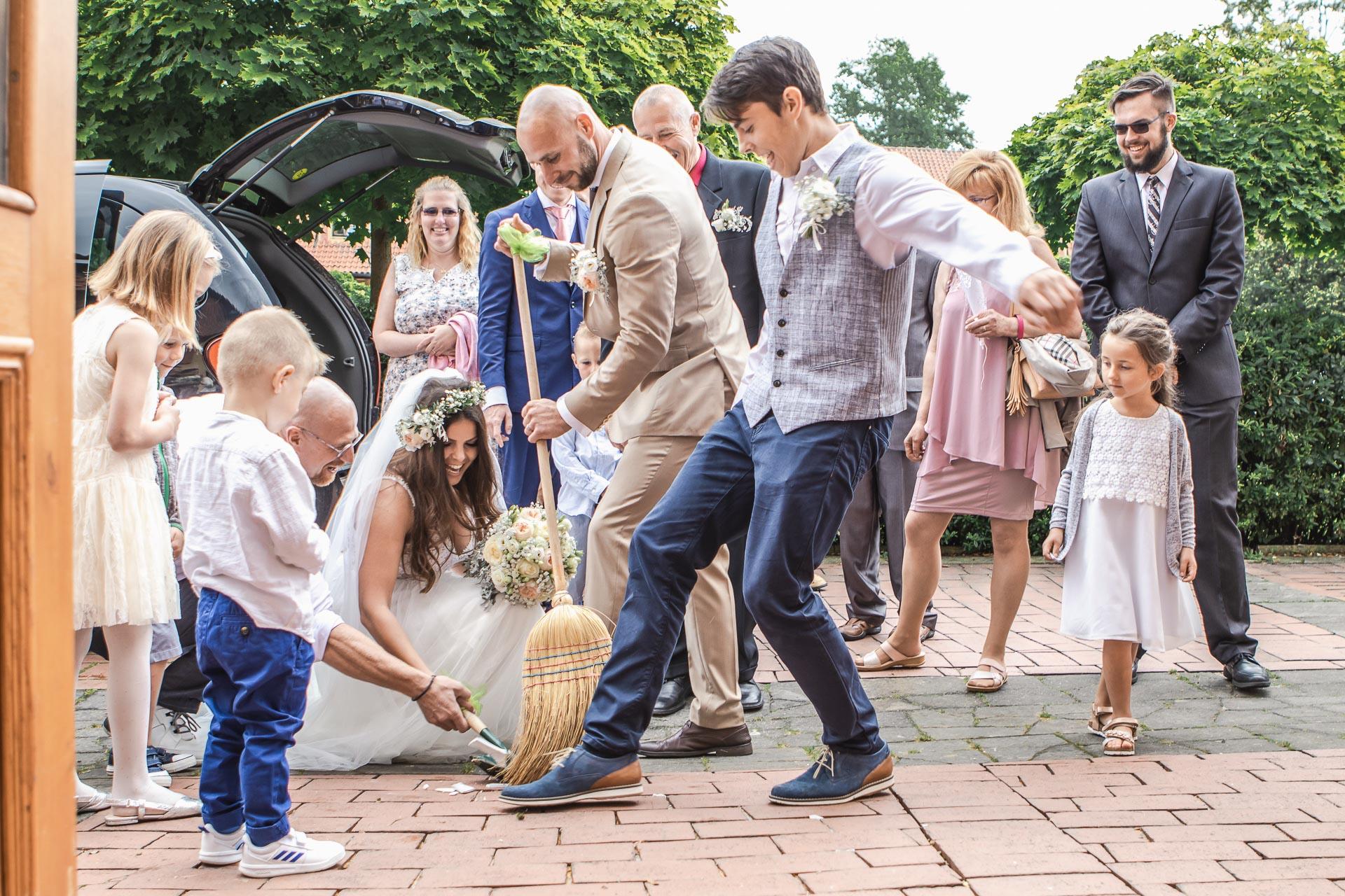 Svatební-fotograf-Dvůr-Pecínov-Benešov-9354