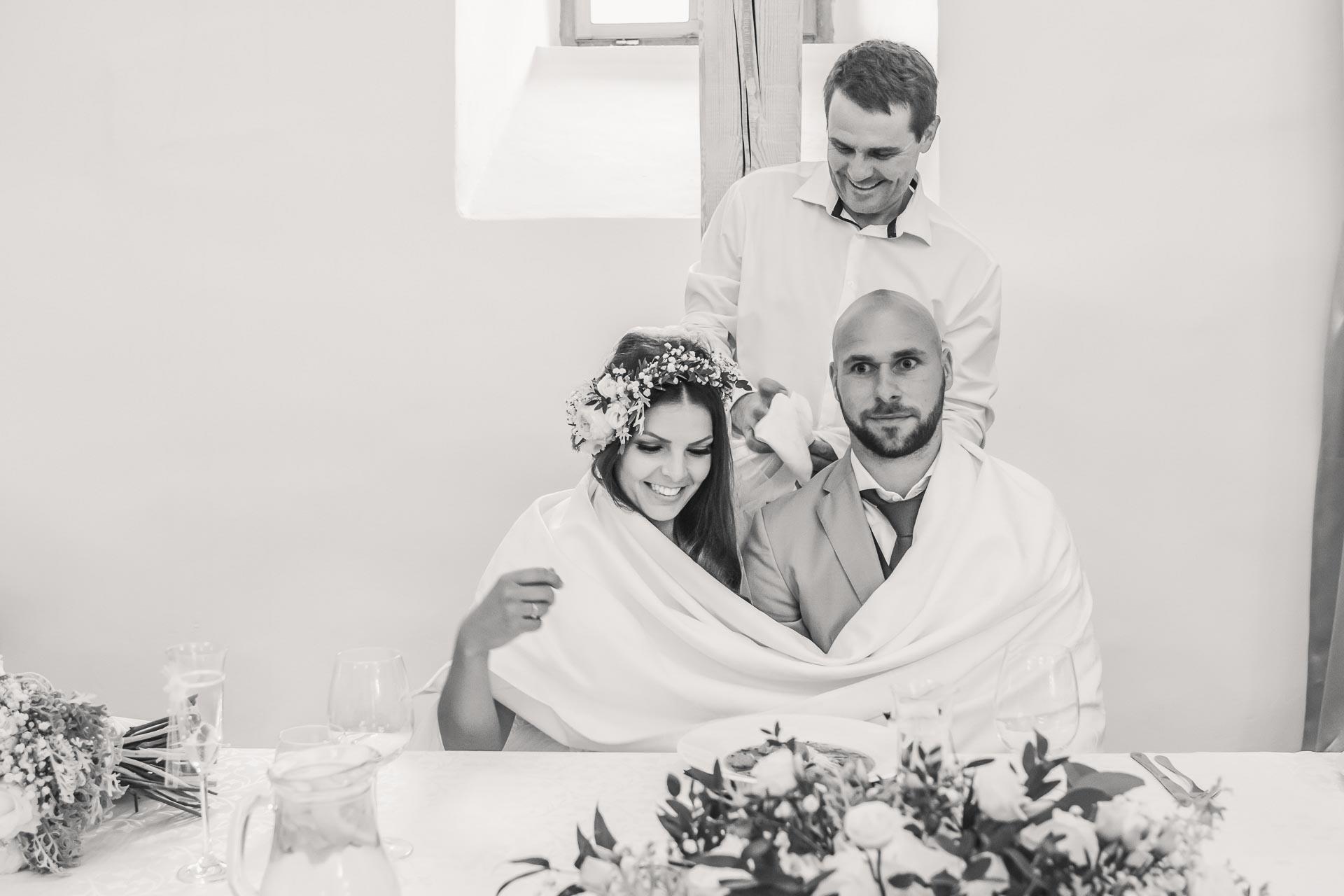 Svatební-fotograf-Dvůr-Pecínov-Benešov-9485