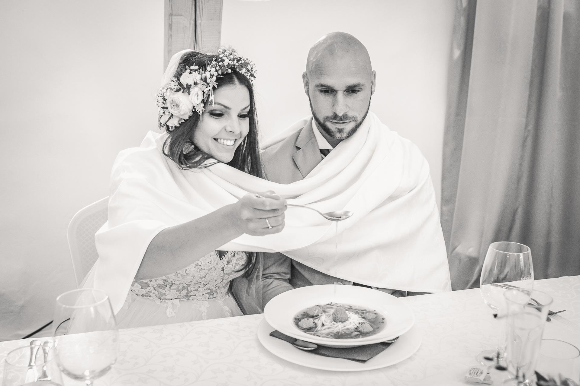 Svatební-fotograf-Dvůr-Pecínov-Benešov-9486