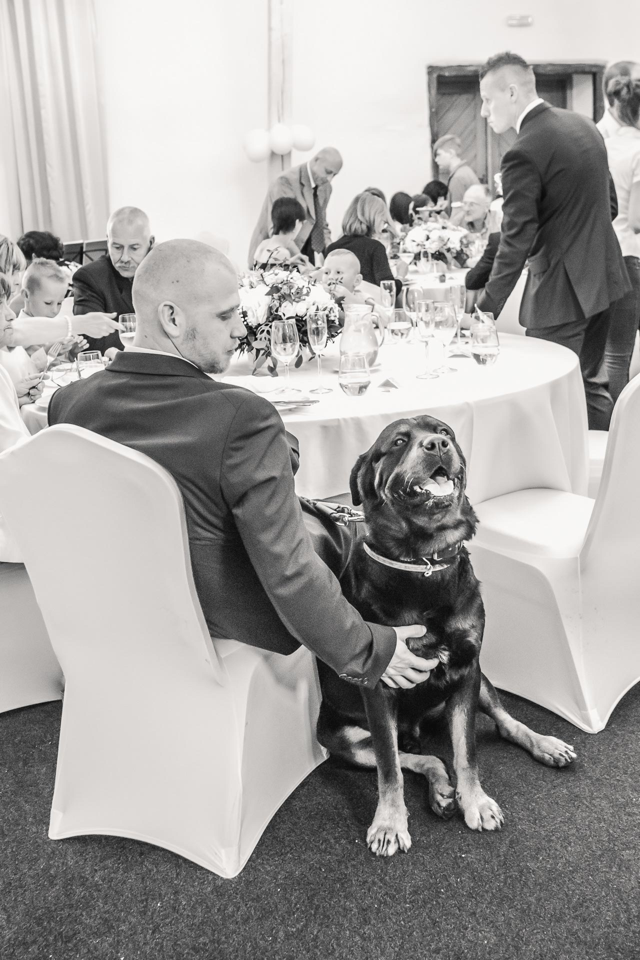 Svatební-fotograf-Dvůr-Pecínov-Benešov-9514