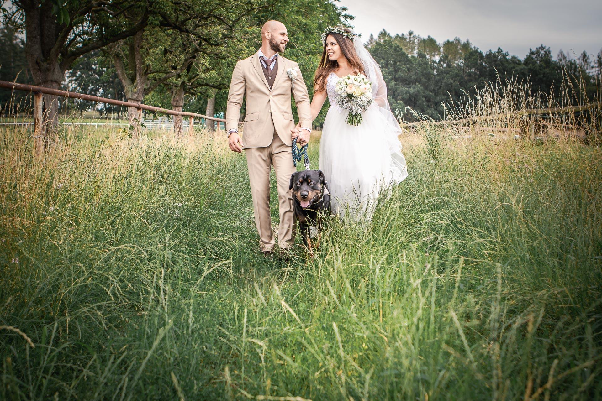 Svatební-fotograf-Dvůr-Pecínov-Benešov-9534
