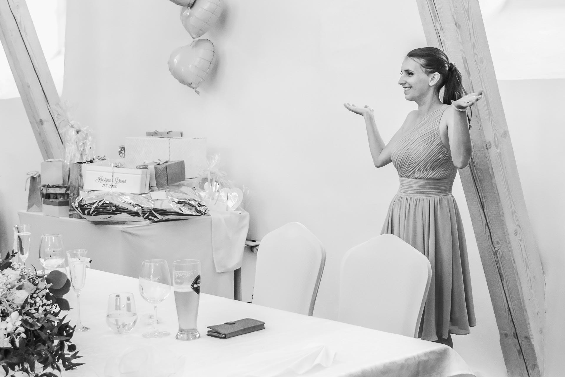 Svatební-fotograf-Dvůr-Pecínov-Benešov-9786