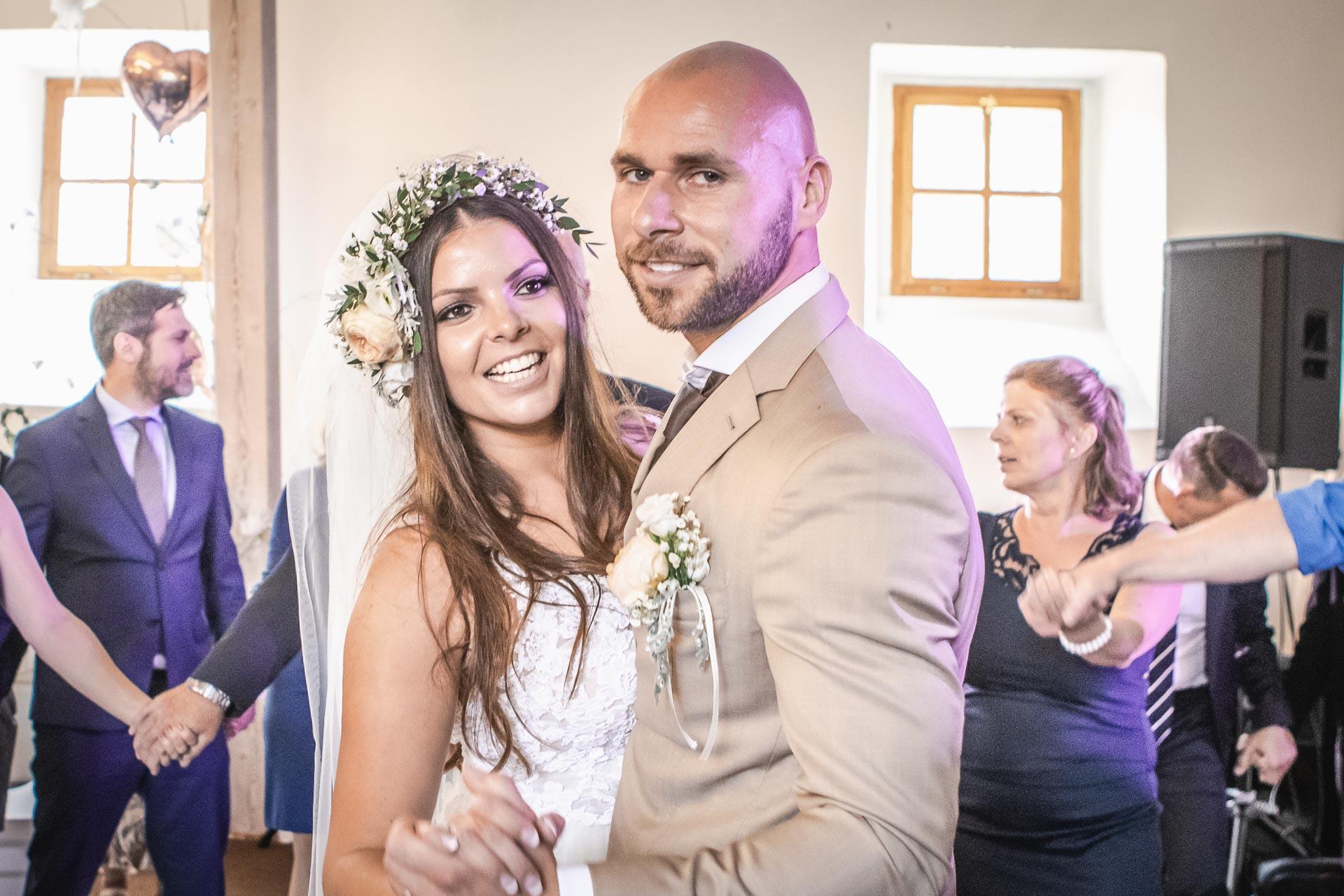 Svatební-fotograf-Dvůr-Pecínov-Benešov-9868