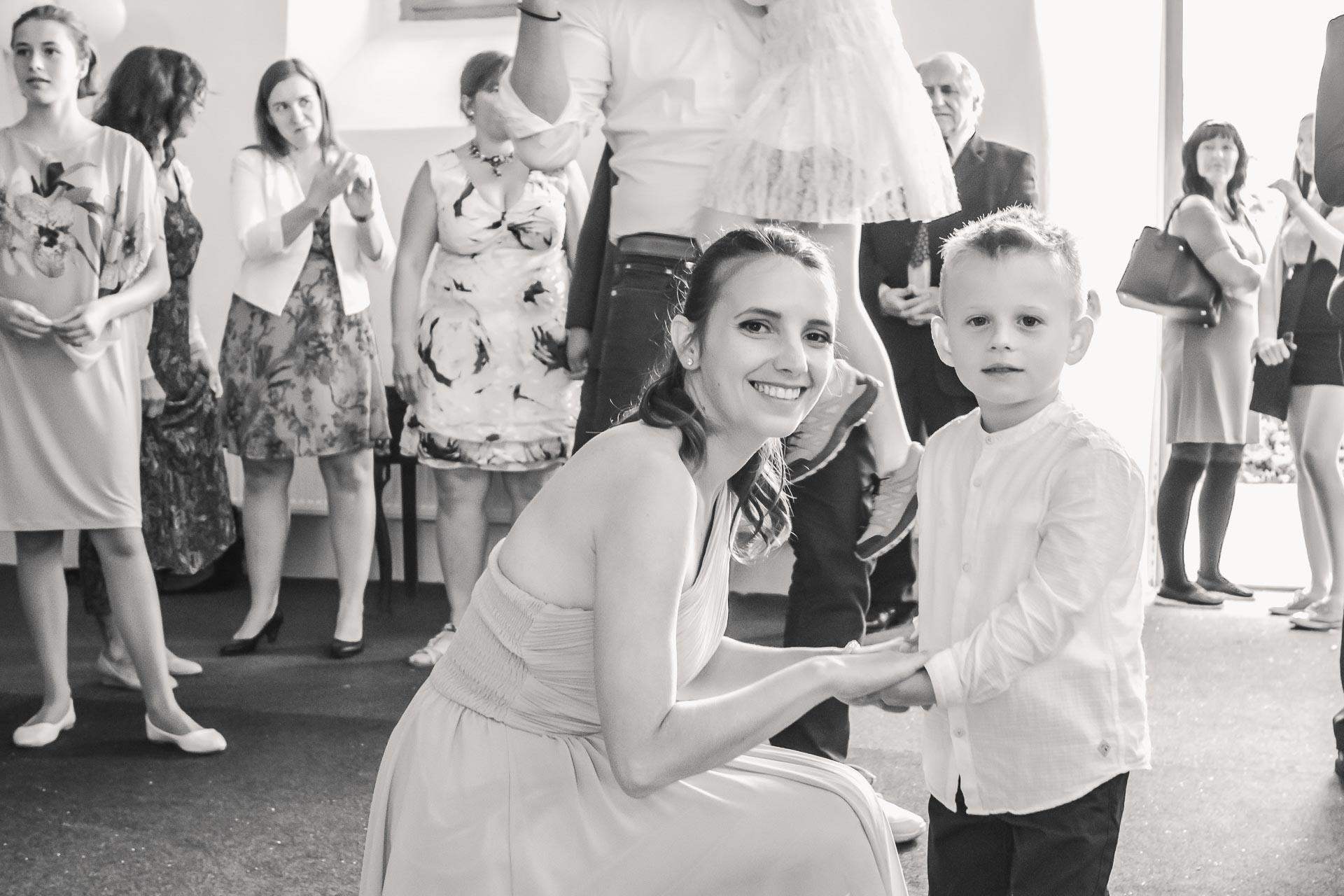 Svatební-fotograf-Dvůr-Pecínov-Benešov-9894