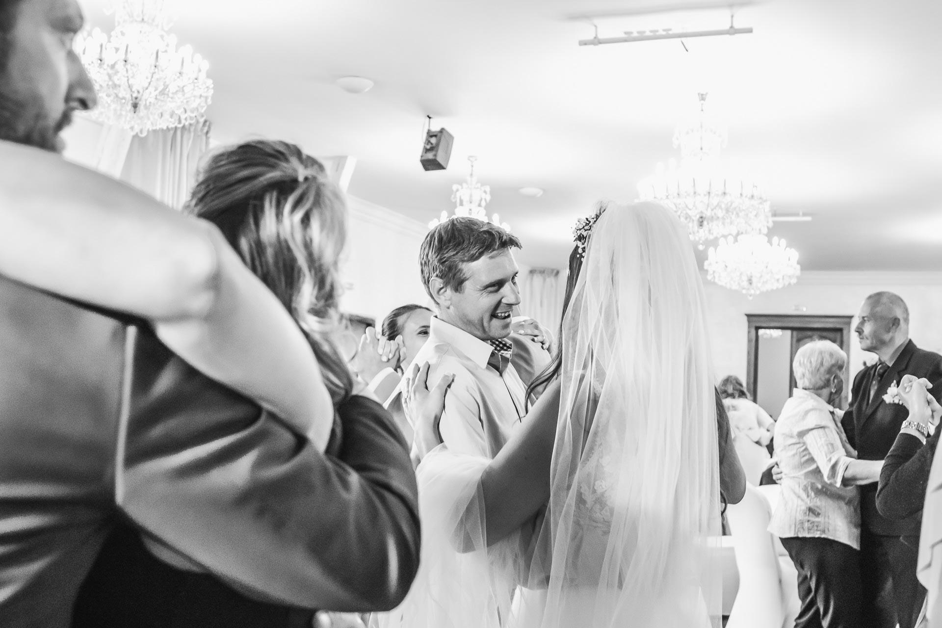 Svatební-fotograf-Dvůr-Pecínov-Benešov-9944