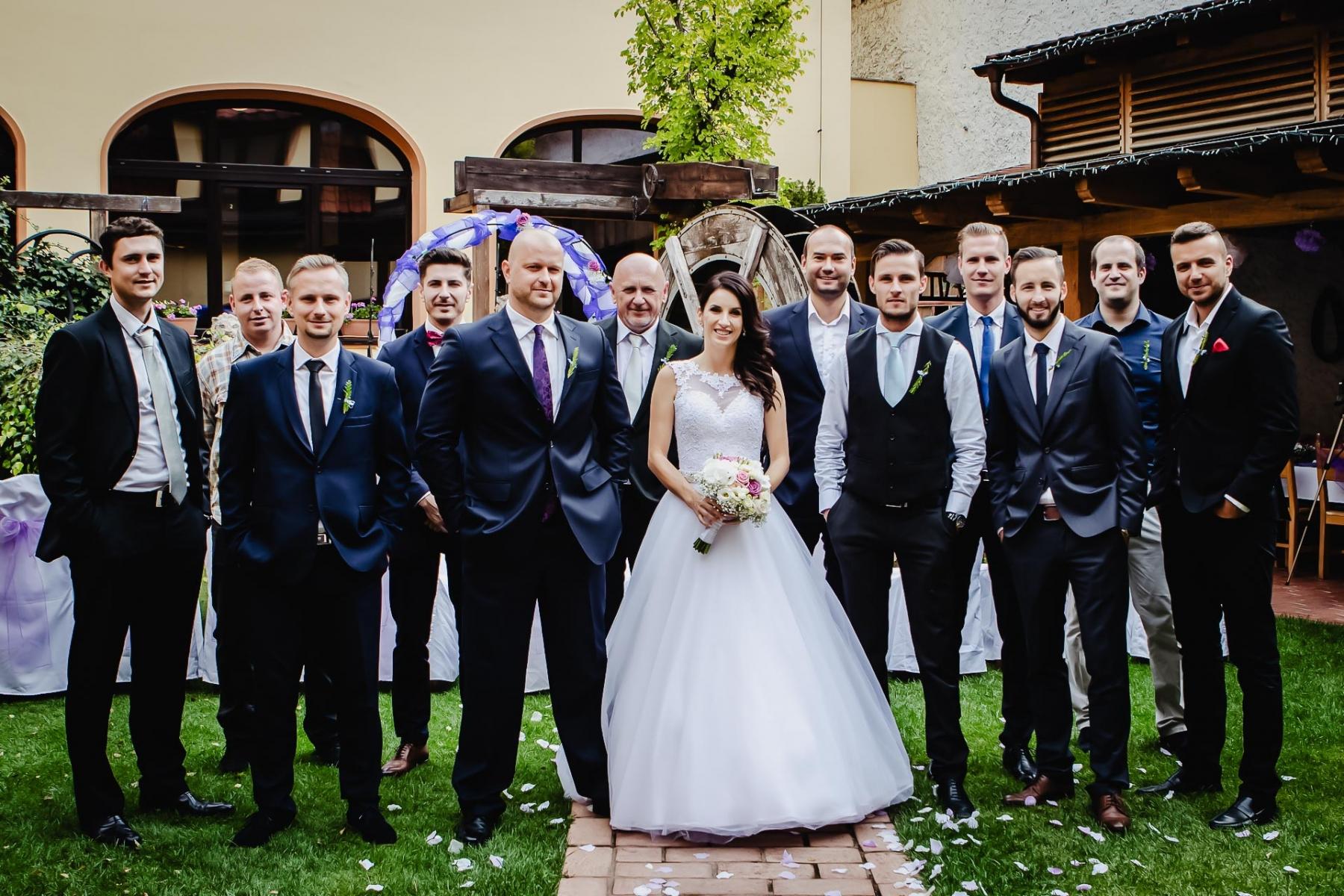 svatební-fotograf-Praha-Hotel-Selský-dvůr-Hostivař -2134