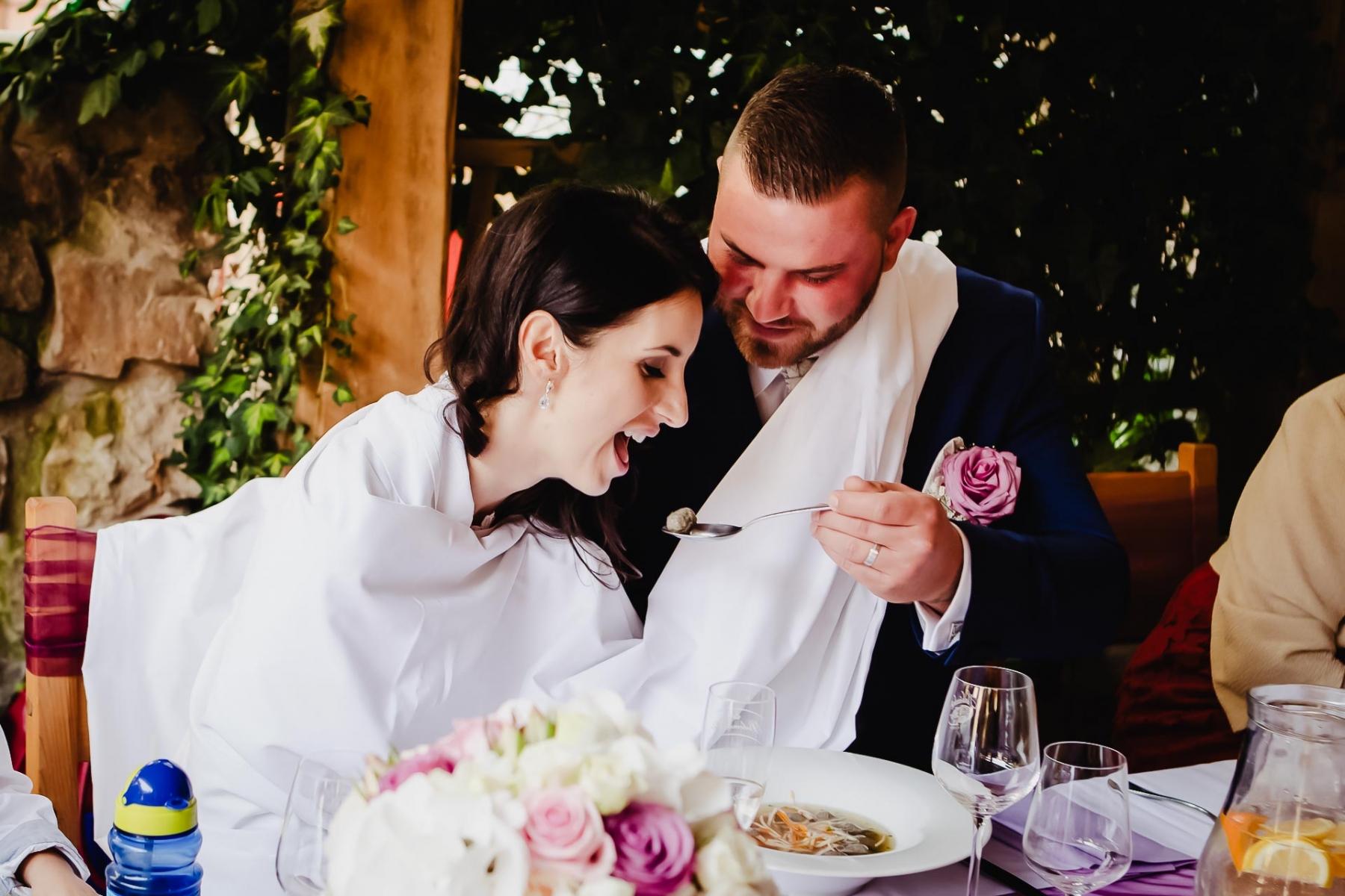 svatební-fotograf-Praha-Hotel-Selský-dvůr-Hostivař -2338