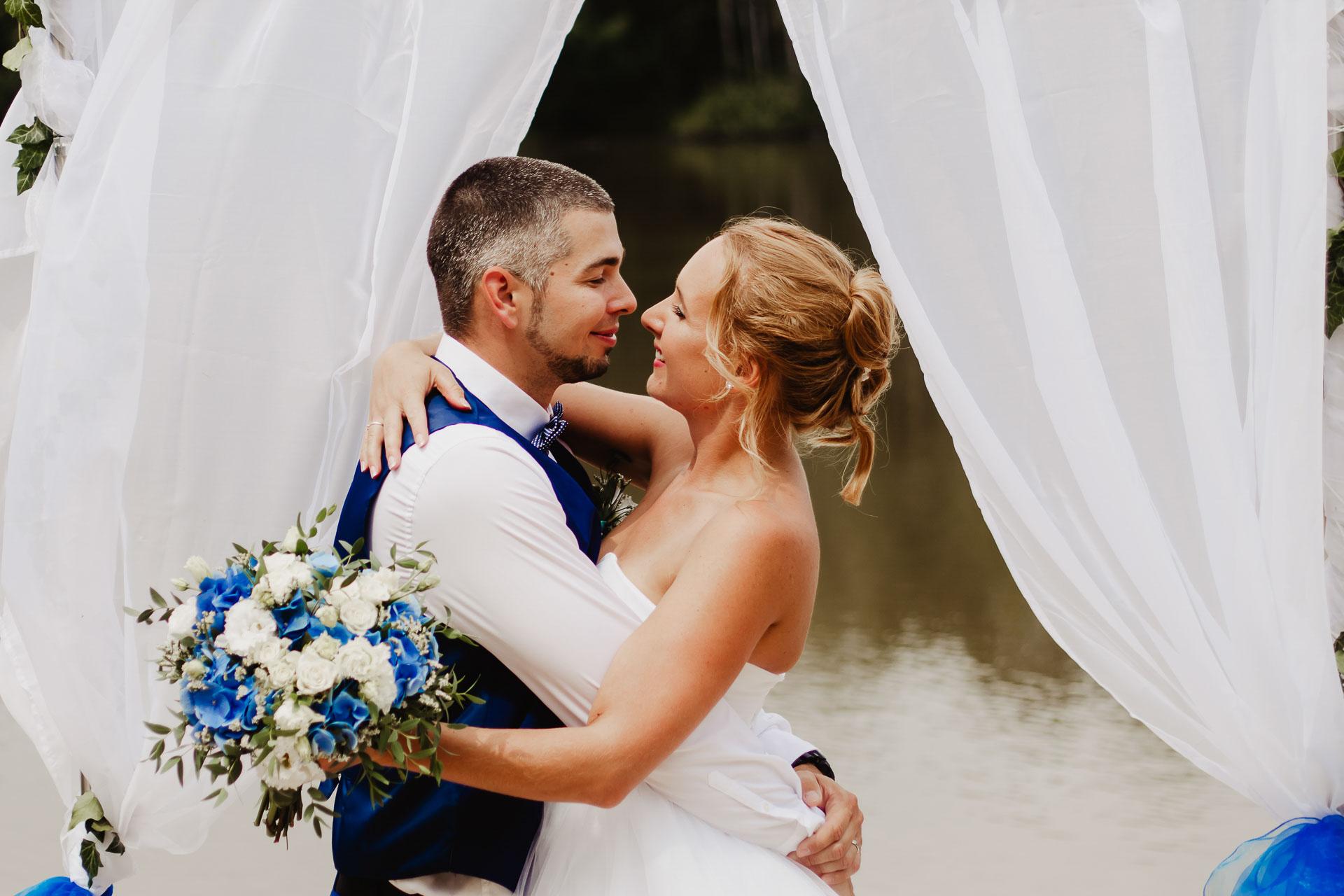 svatební-fotograf-Jívák-svatební-fotograf-Loučeň-svatební-video-Loučeň-128