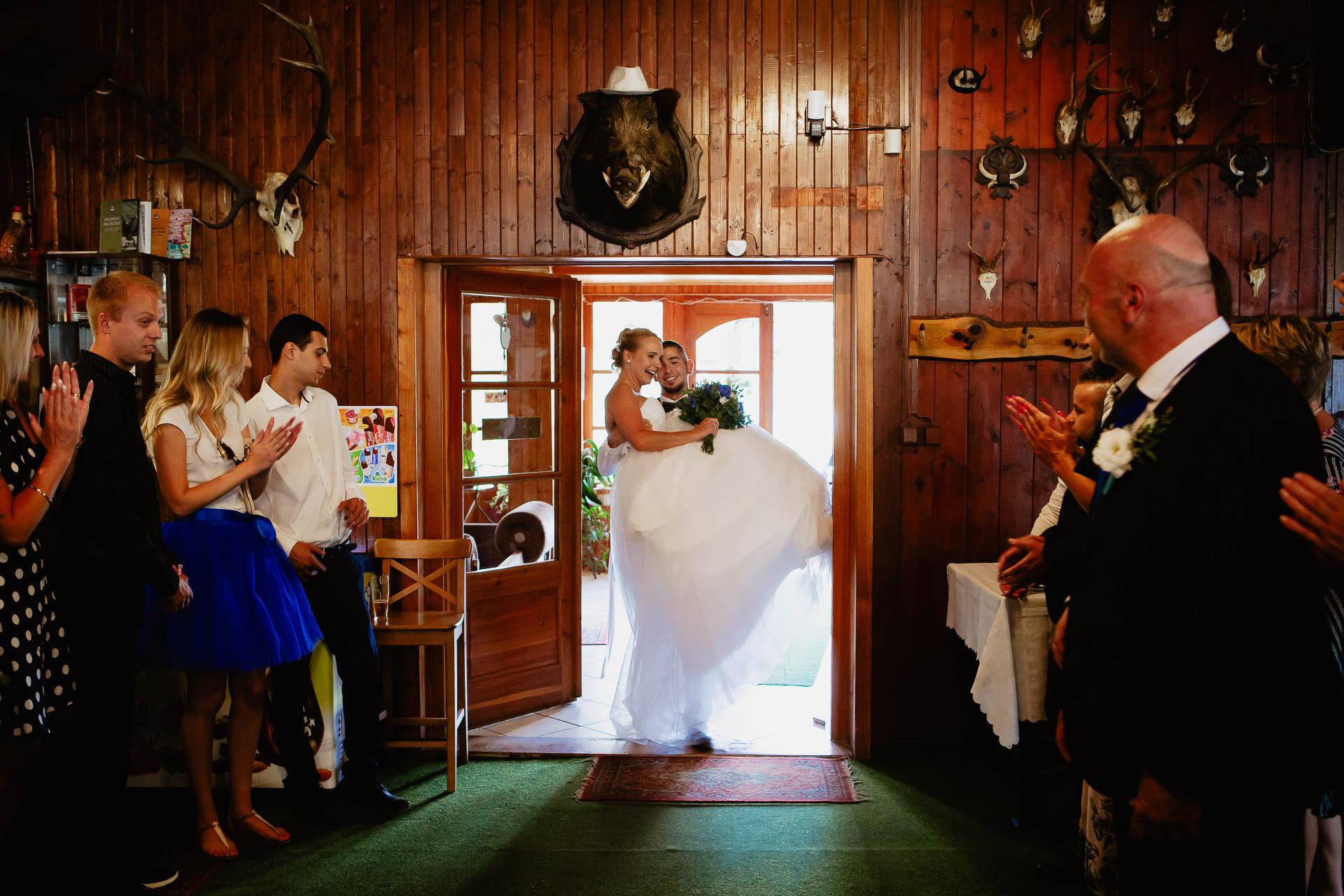 svatební-fotograf-Jívák-svatební-fotograf-Loučeň-svatební-video-Loučeň-158