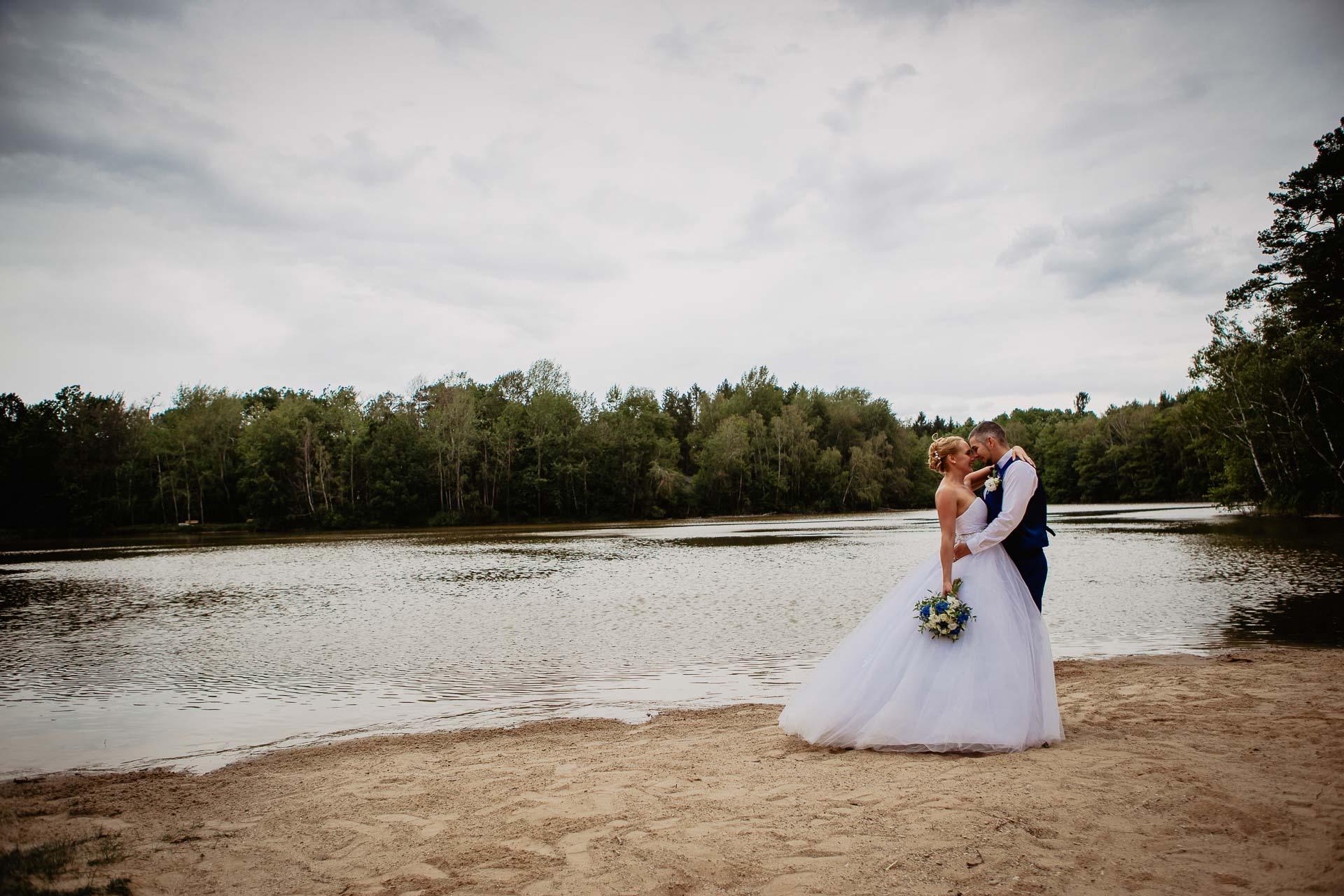 svatební-fotograf-Jívák-svatební-fotograf-Loučeň-svatební-video-Loučeň-186