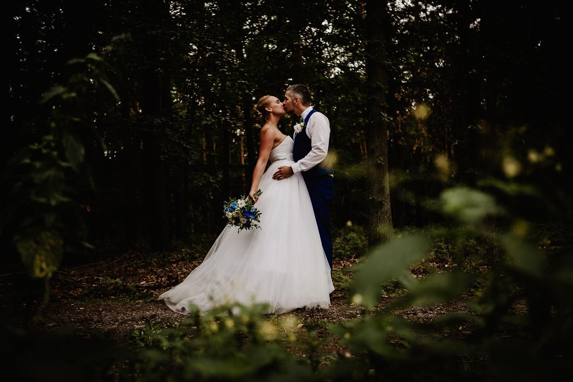 svatební-fotograf-Jívák-svatební-fotograf-Loučeň-svatební-video-Loučeň-210