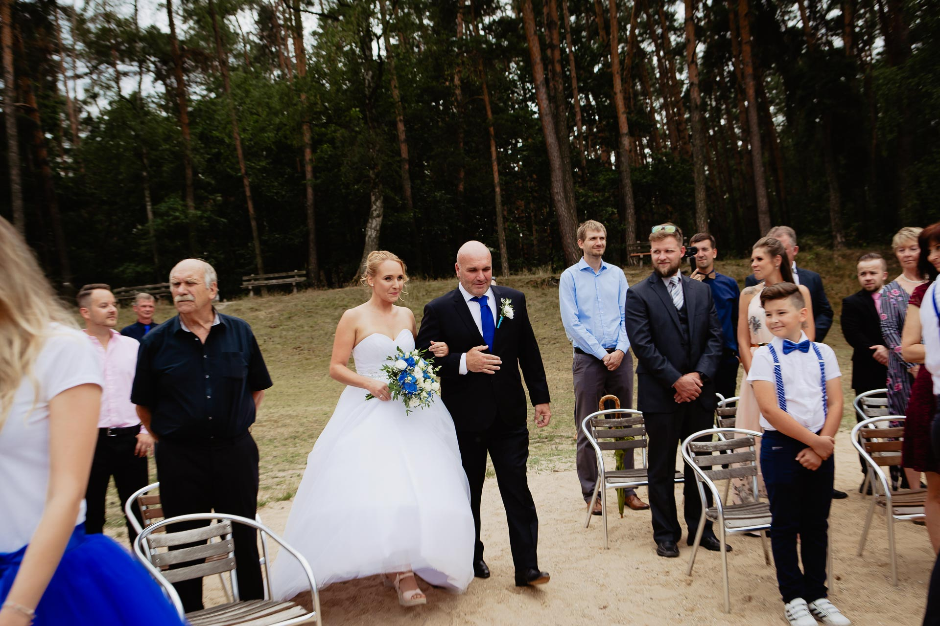 svatební-fotograf-Jívák-svatební-fotograf-Loučeň-svatební-video-Loučeň-32