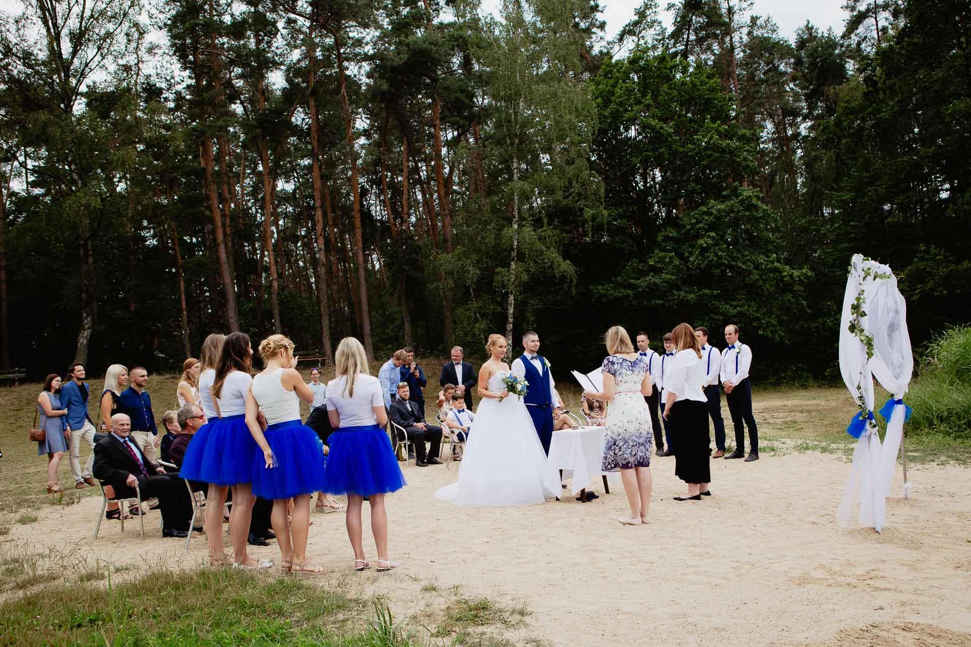 svatební-fotograf-Jívák-svatební-fotograf-Loučeň-svatební-video-Loučeň-37