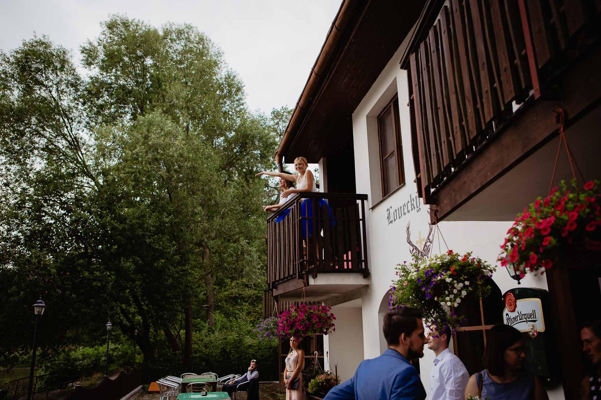 svatební-fotograf-Jívák-svatební-fotograf-Loučeň-svatební-video-Loučeň-4