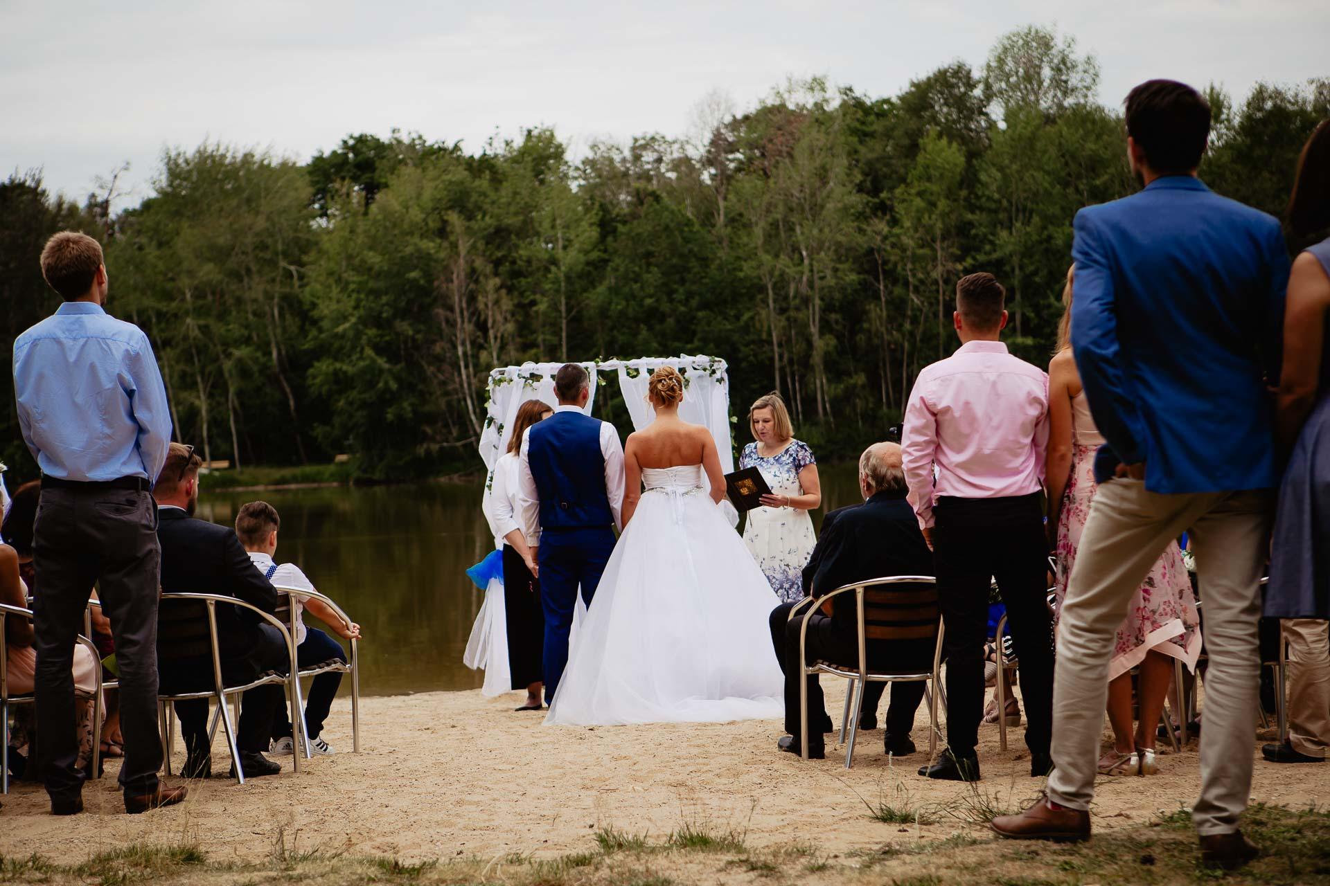 svatební-fotograf-Jívák-svatební-fotograf-Loučeň-svatební-video-Loučeň-41