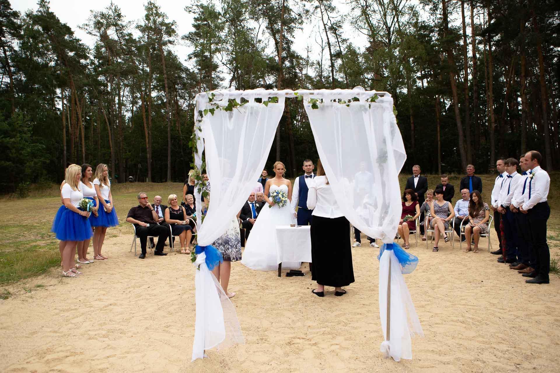 svatební-fotograf-Jívák-svatební-fotograf-Loučeň-svatební-video-Loučeň-51