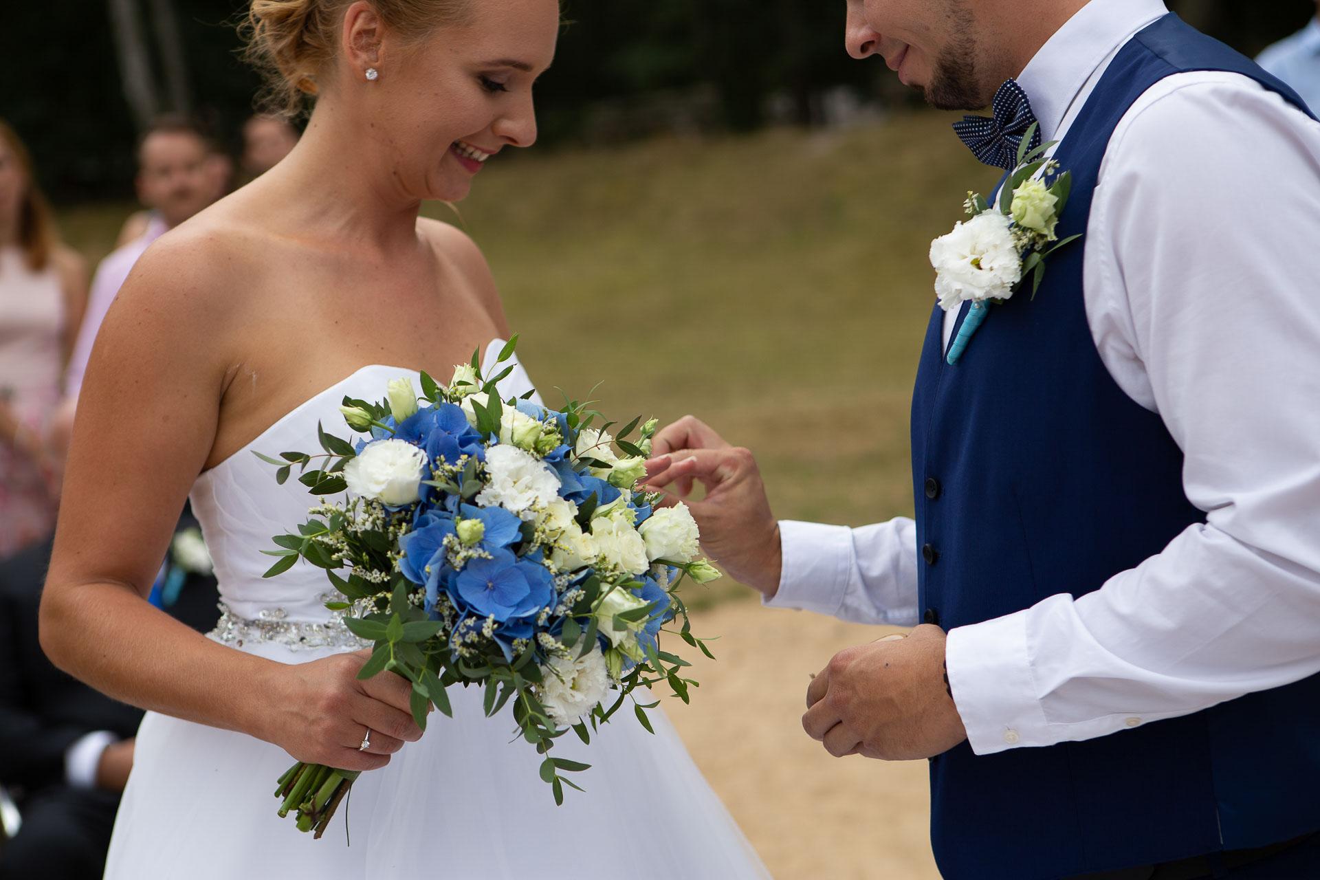 svatební-fotograf-Jívák-svatební-fotograf-Loučeň-svatební-video-Loučeň-56