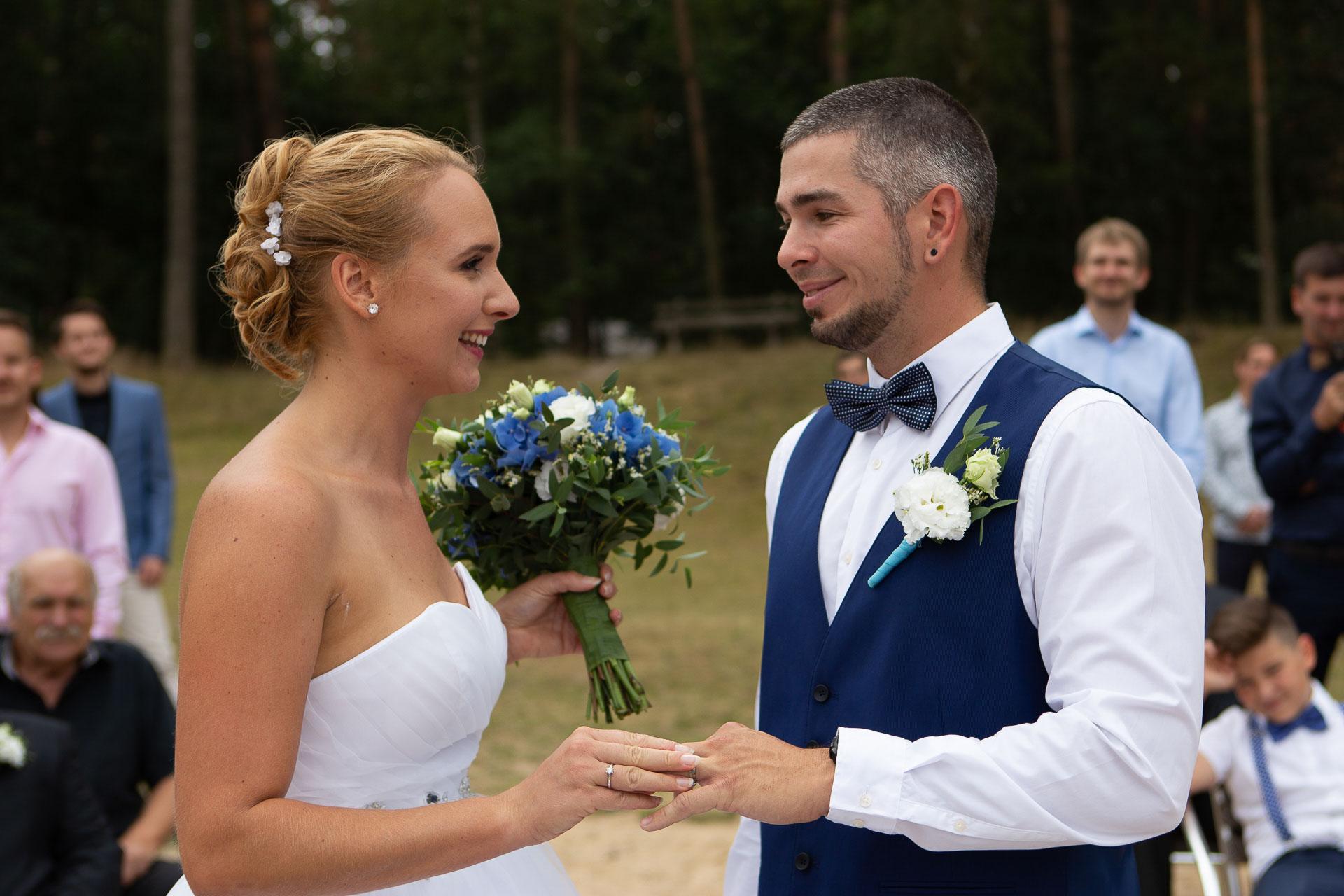 svatební-fotograf-Jívák-svatební-fotograf-Loučeň-svatební-video-Loučeň-62
