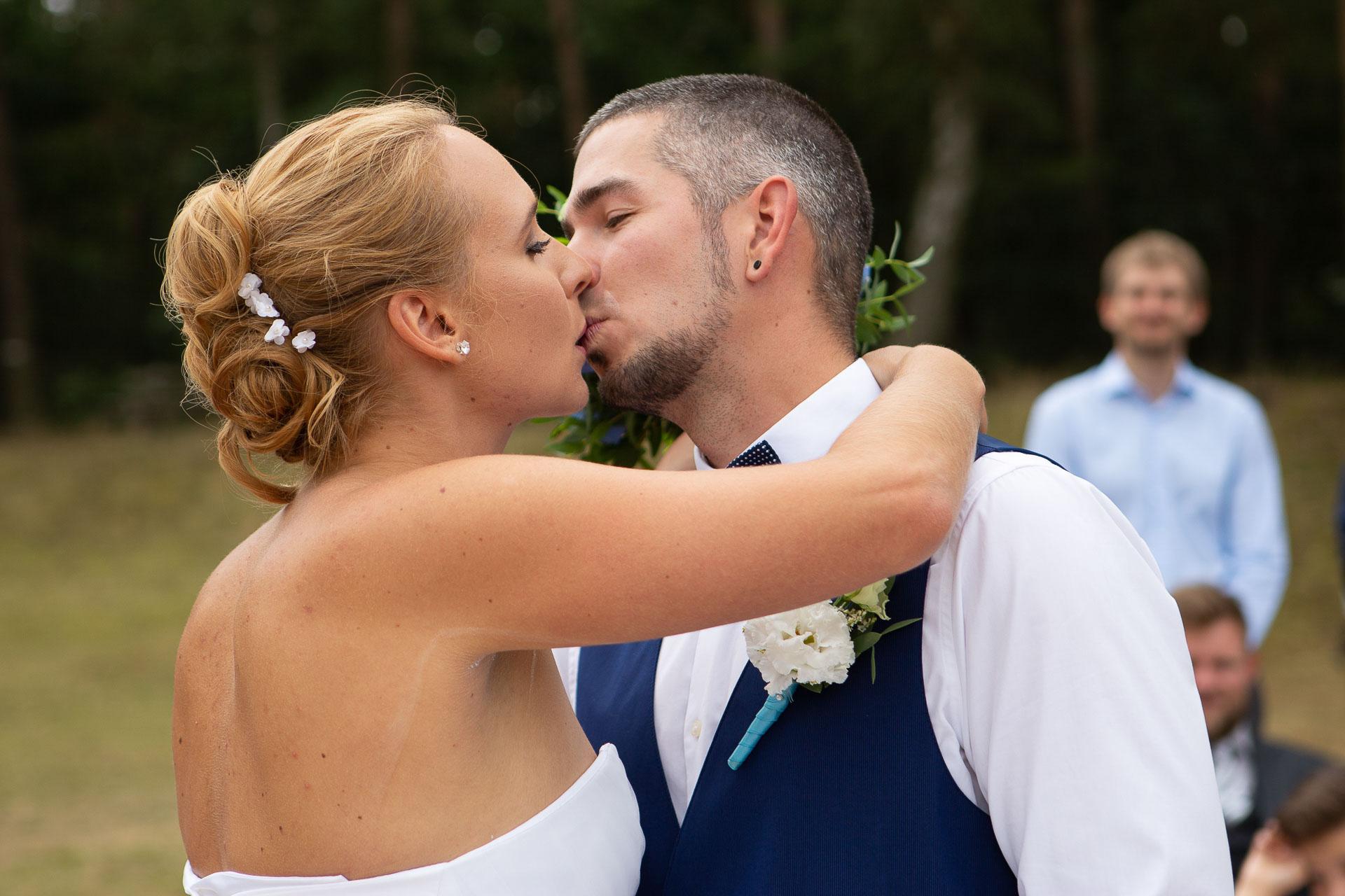 svatební-fotograf-Jívák-svatební-fotograf-Loučeň-svatební-video-Loučeň-63