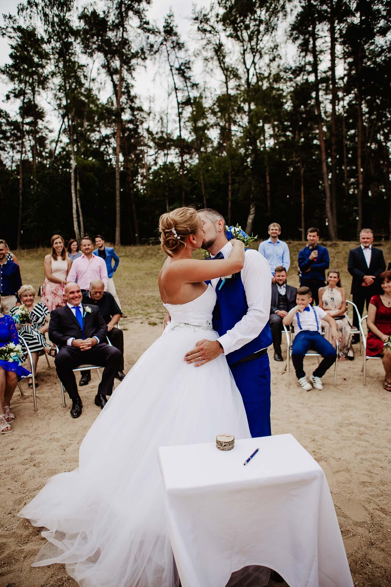 svatební-fotograf-Jívák-svatební-fotograf-Loučeň-svatební-video-Loučeň-64