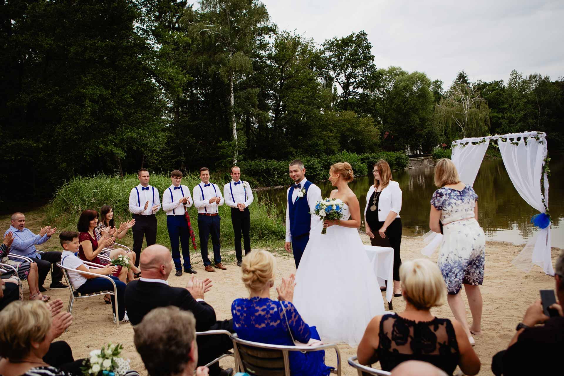 svatební-fotograf-Jívák-svatební-fotograf-Loučeň-svatební-video-Loučeň-65