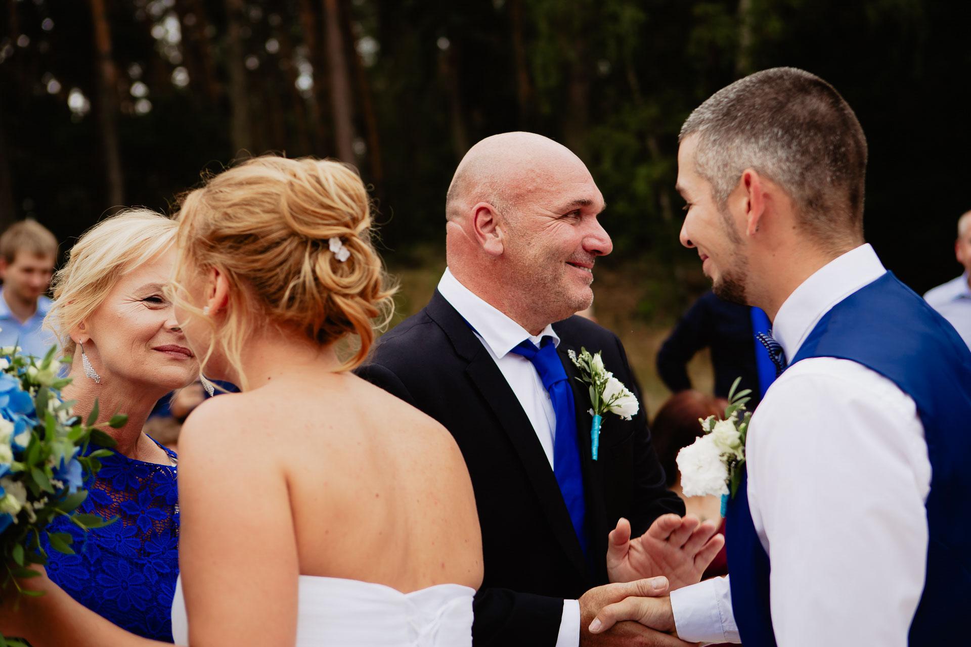 svatební-fotograf-Jívák-svatební-fotograf-Loučeň-svatební-video-Loučeň-70