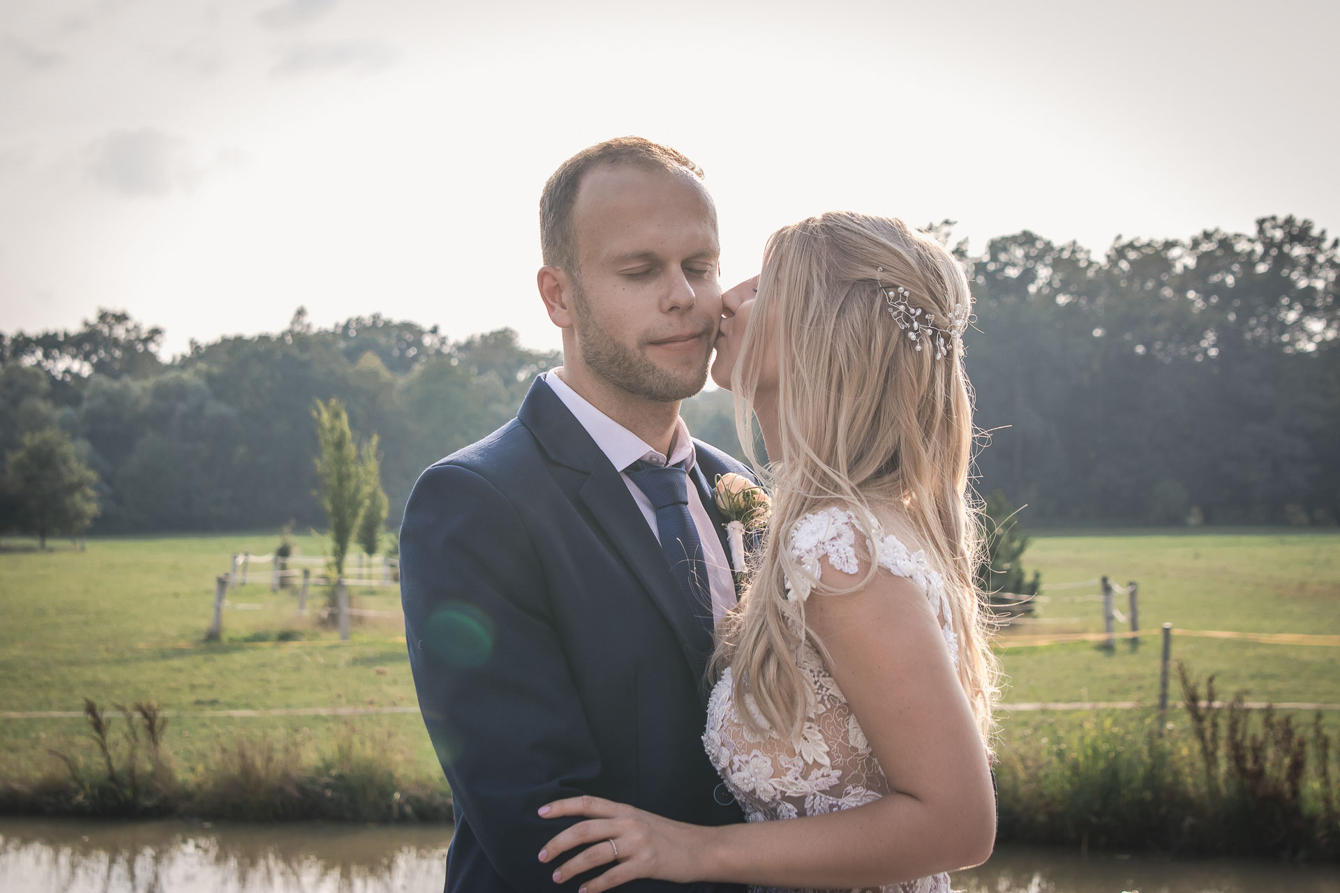 svatební-fotograf-zámek-Nové-Hrady-svatební-fotograf-Hradec-Králové-svatební-video-Hradec-Králové-250