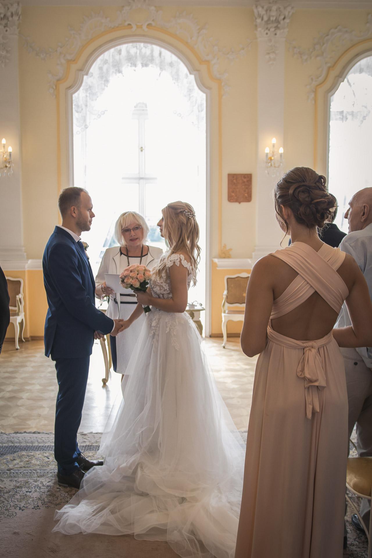 svatební-fotograf-zámek-Nové-Hrady-svatební-fotograf-Hradec-Králové-svatební-video-Hradec-Králové-39